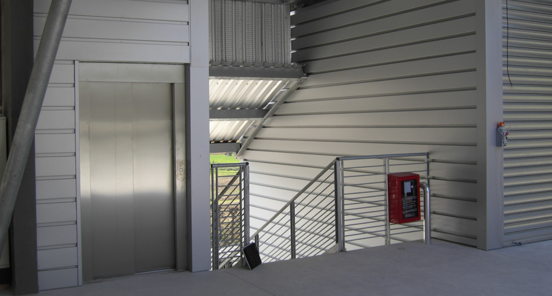 https://www.progecostrutture.com/wp-content/uploads/2016/07/Immagine-ascensore-2.png