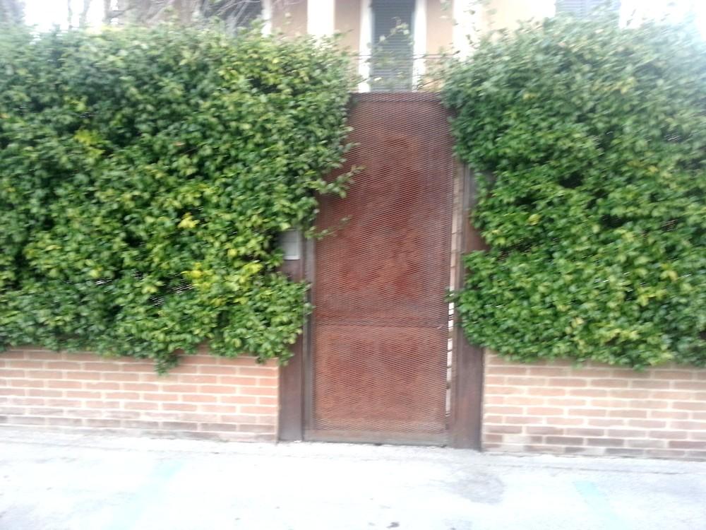 https://www.progecostrutture.com/wp-content/uploads/2016/07/cancello_ad_una_anta_72969.jpg