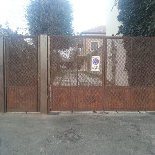http://progecostrutture.com/wp-content/uploads/2016/07/cancello_carrabile_a_due_ante_più_cancello_pedonale_forlì84823-540x540.jpg