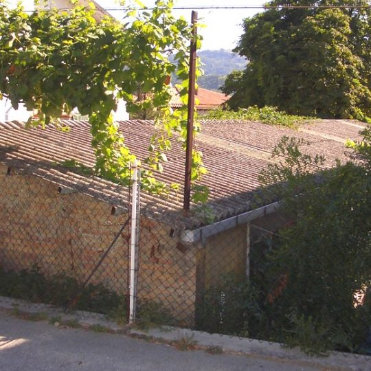http://progecostrutture.com/wp-content/uploads/2016/07/copertura_in_pannelli_acciao_sandwich_san_marino_372270-540x540.jpg