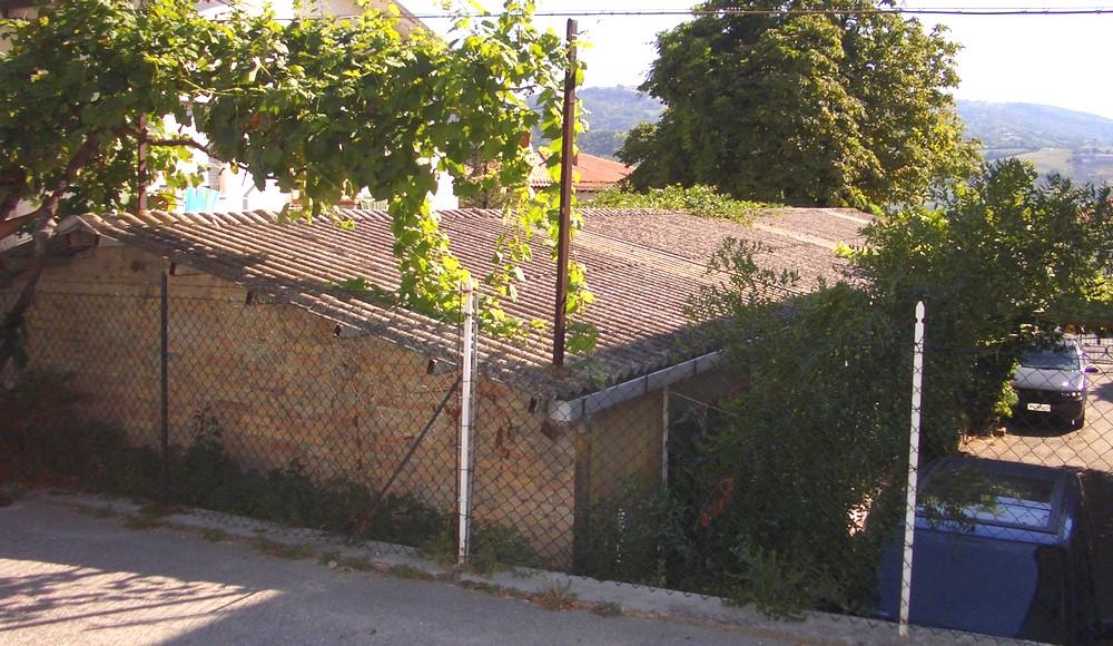 http://progecostrutture.com/wp-content/uploads/2016/07/copertura_in_pannelli_acciao_sandwich_san_marino_372270.jpg