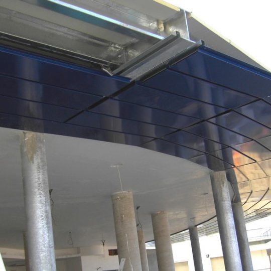 http://progecostrutture.com/wp-content/uploads/2016/07/copertura_metallica_pannelli_alluminio_igea_marina_rimini_164159-540x540.jpg