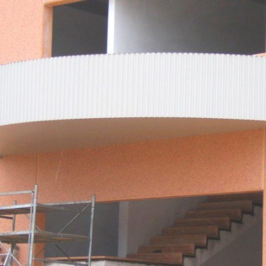 http://progecostrutture.com/wp-content/uploads/2016/07/pensilina_struttura_in_acciaio_verniciato_tamponata_in_lamiere_cesena_forlì_146569-540x540.jpg