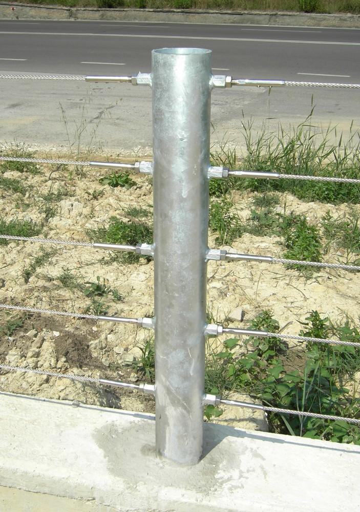 http://progecostrutture.com/wp-content/uploads/2016/07/recinzione_trecce_acciaio_pesaro_112646.jpg