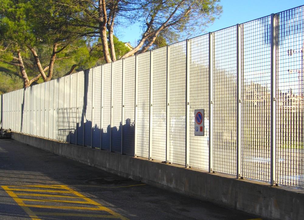 http://progecostrutture.com/wp-content/uploads/2016/07/recinzioni_di_sicurezza_san_marino50388.jpg