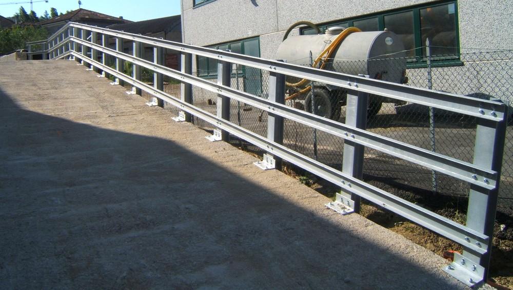 struttura_in_acciaio_per_guardrail_rimini_214902.jpg