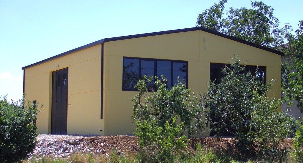 http://progecostrutture.com/wp-content/uploads/2016/07/struttura_in_acciaio_tamponata_in_pannelli_cemento_verucchio_rimini_159800-1000x540.jpg