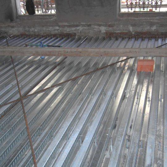 http://progecostrutture.com/wp-content/uploads/2016/07/struttura_matalliche_per-recupero_edilizio_in_acciaio_con_solaio_in_lamiere_grecate_san_marino97338-540x540.jpg