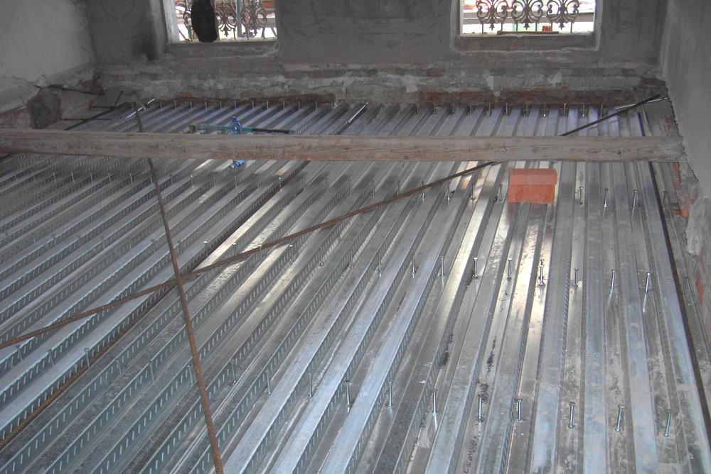 http://progecostrutture.com/wp-content/uploads/2016/07/struttura_matalliche_per-recupero_edilizio_in_acciaio_con_solaio_in_lamiere_grecate_san_marino97338.jpg