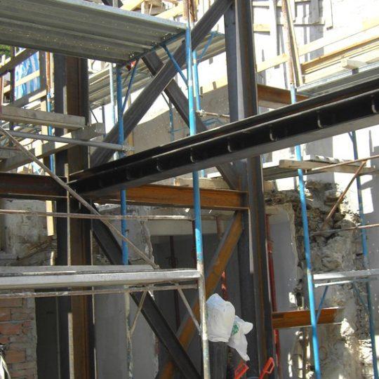 http://progecostrutture.com/wp-content/uploads/2016/07/struttura_matalliche_per-recupero_edilizio_in_acciaio_san_marino_782902-540x540.jpg