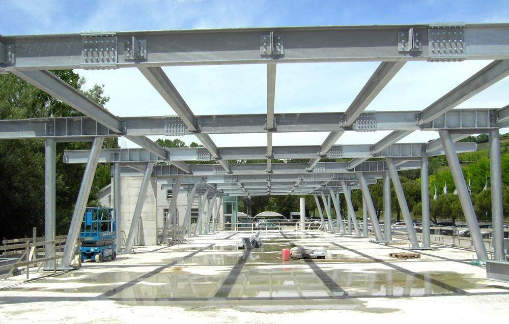 http://progecostrutture.com/wp-content/uploads/2016/07/struttura_metallica_commerciale_in_acciaio_pesaro89662.jpg