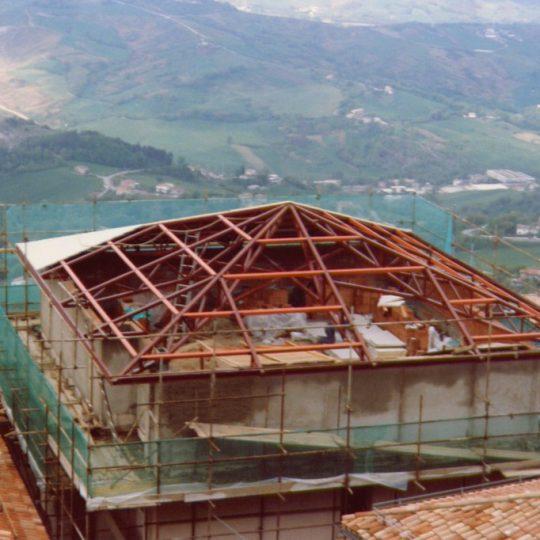 http://progecostrutture.com/wp-content/uploads/2016/07/struttura_metalliche_di_adeguamento_simico_recupero_edilizio_san_marino_452800-540x540.jpg