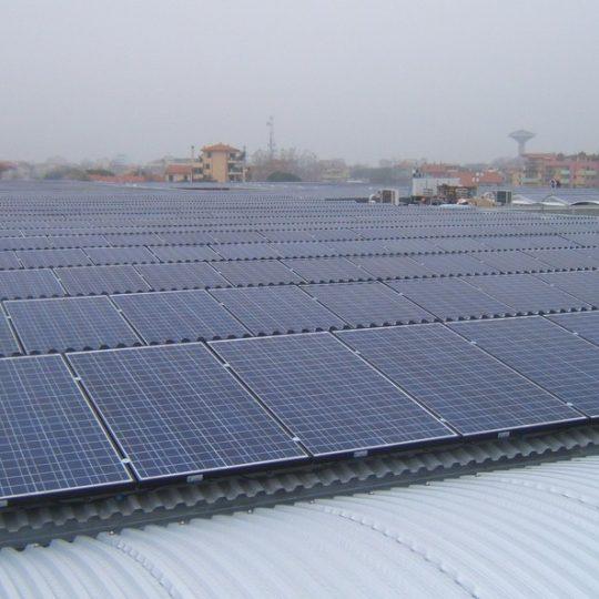 http://progecostrutture.com/wp-content/uploads/2016/07/struttura_per_impianto_fotovoltaico_in_acciaio_bellaria_rimini51614-540x540.jpg