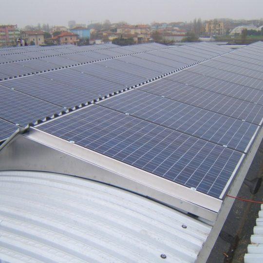 http://progecostrutture.com/wp-content/uploads/2016/07/struttura_per_impianto_fotovoltaico_in_acciaio_bellaria_rimini_215038-540x540.jpg