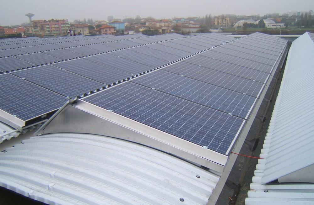 http://progecostrutture.com/wp-content/uploads/2016/07/struttura_per_impianto_fotovoltaico_in_acciaio_bellaria_rimini_215038.jpg