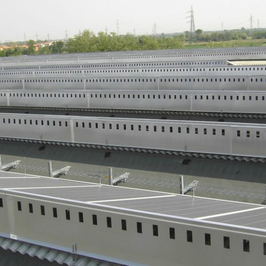 http://progecostrutture.com/wp-content/uploads/2016/07/struttura_per_impianto_fotovoltaico_in_alluminio40451-540x540.jpg