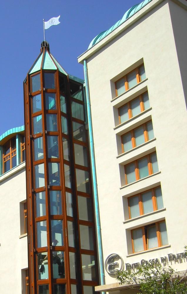 struttura_per_vano_ascensore_corten_tamponato_in_vetro_san_marino.jpg