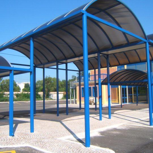 http://progecostrutture.com/wp-content/uploads/2016/07/strutture_metalliche_per_tettoie_in_acciaio_zincato_copertura_in_policarbonato_cattolica_rmini_179121-540x540.jpg