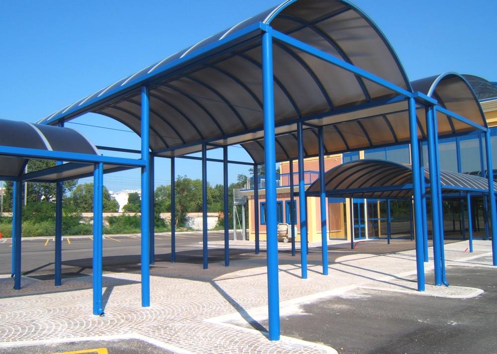http://progecostrutture.com/wp-content/uploads/2016/07/strutture_metalliche_per_tettoie_in_acciaio_zincato_copertura_in_policarbonato_cattolica_rmini_179121.jpg