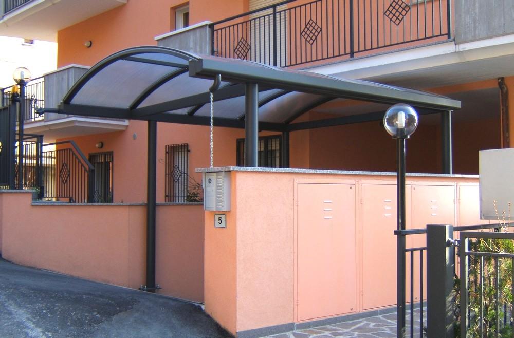 http://progecostrutture.com/wp-content/uploads/2016/07/strutture_metalliche_per_tettoie_in_acciaio_zincato_copertura_in_policarbonato_san_marino35698.jpg