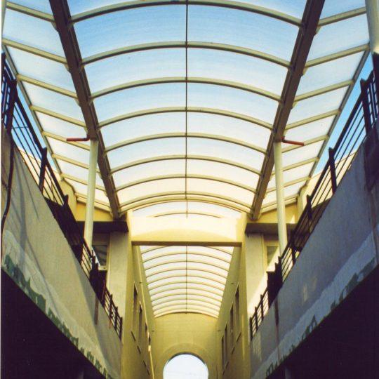 http://progecostrutture.com/wp-content/uploads/2016/07/strutture_metalliche_per_tettoie_in_acciaio_zincato_copertura_in_vetro_san_marino34652-540x540.jpg