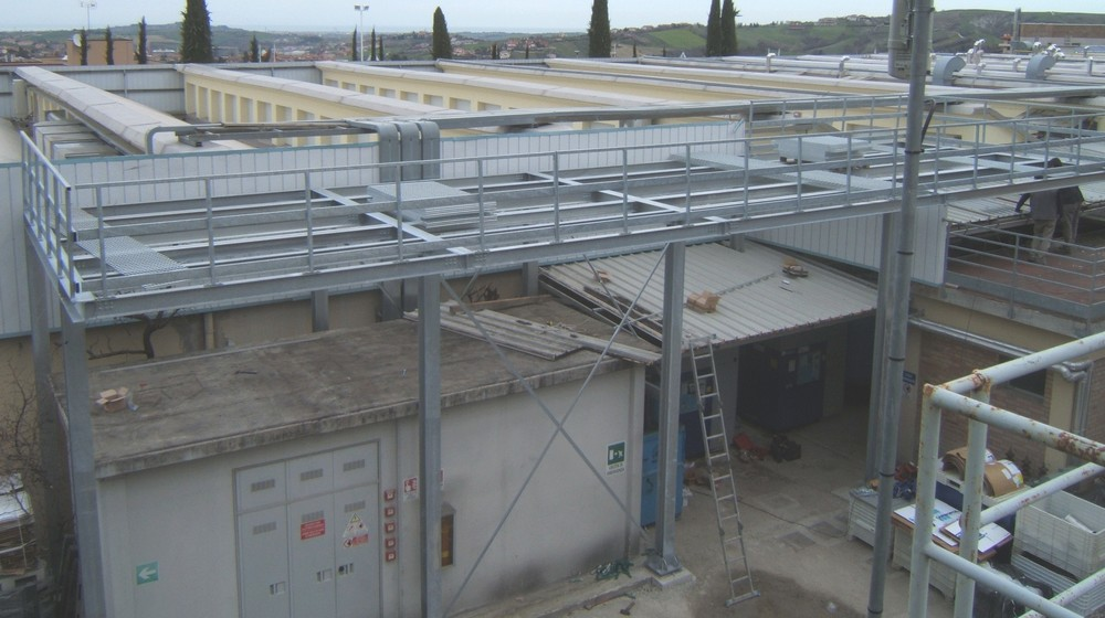 http://progecostrutture.com/wp-content/uploads/2016/07/strutture_prefabbricate_industriali_in_acciaio_zincato_per_il_sotegno_di_macchine_uta_san_marino35220.jpg