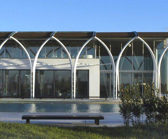 http://progecostrutture.com/wp-content/uploads/2016/07/strutture_prefabbricate_sportive_in_acciaio_cattolica_rimini_159505-540x446.jpg