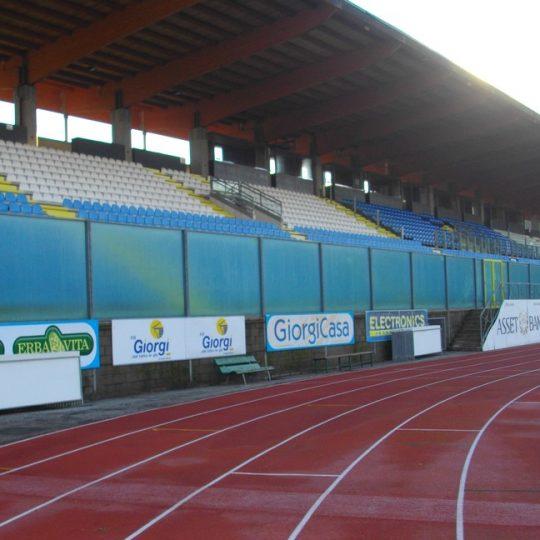 http://progecostrutture.com/wp-content/uploads/2016/07/strutture_prefabbricate_sportive_in_acciaio_san_marino63097-540x540.jpg