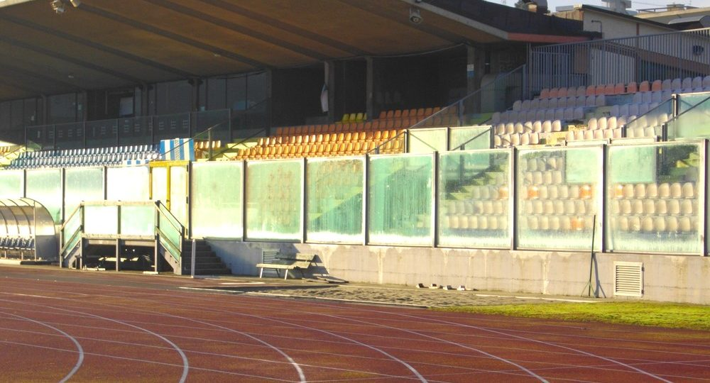https://www.progecostrutture.com/wp-content/uploads/2016/07/strutture_prefabbricate_sportive_in_acciaio_san_marino_138312-1000x540.jpg