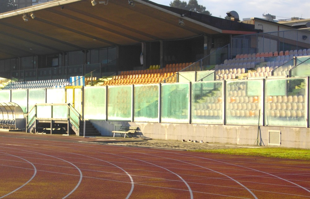 http://progecostrutture.com/wp-content/uploads/2016/07/strutture_prefabbricate_sportive_in_acciaio_san_marino_138312.jpg
