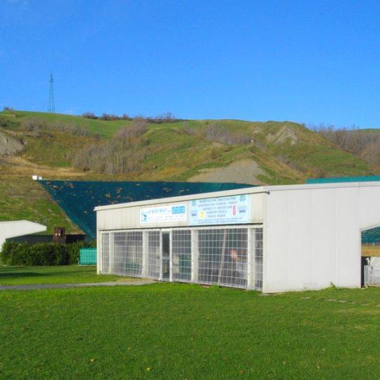 http://progecostrutture.com/wp-content/uploads/2016/07/strutture_prefabbricate_sportive_in_acciaio_san_marino_214619-540x540.jpg